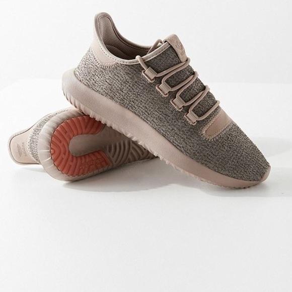 le adidas tubolari a scarpa dimensioni 7 poshmark ombra